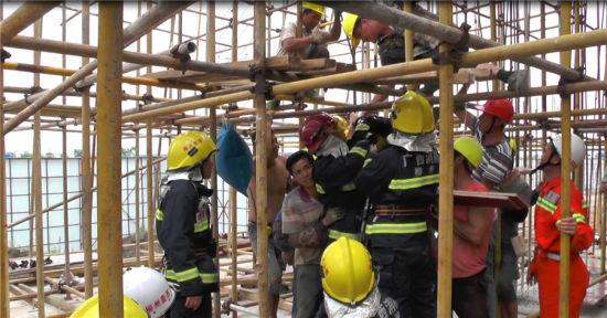 图为事故救援现场。苏锦荣 摄