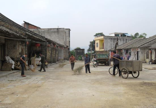 崇左市委宣传部帮扶龙州县中山村开展生态乡村建设