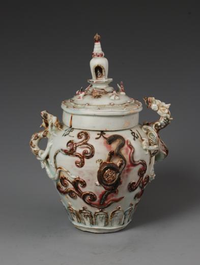 青白釉釉里红四灵塔式盖罐(一级文物)