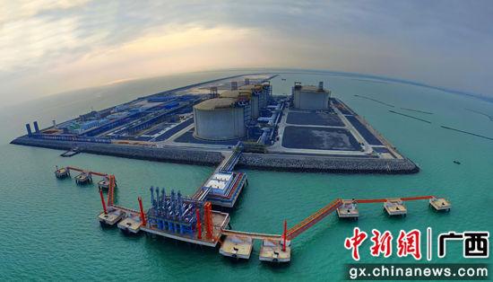 国家重点清洁能源项目广西LNG项目全景。