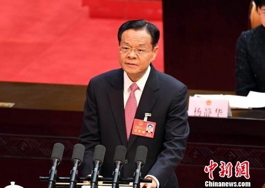 1月25日,广西壮族自治区第十三届人民代表大会第一次会议在南宁开幕,陈武向大会作政府工作报告。 俞靖 摄