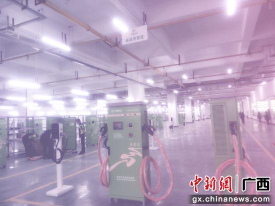 图为博耀科技生产的各种新能源汽车充电桩。