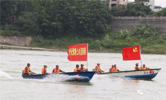 贵港港南区开展2018年水上搜救军事训练