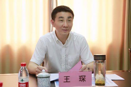 图为防城港市副市长、市公安局党委书记、局长王琛。
