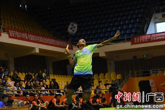 图为印尼俱乐部队员在比赛中。 钟建珊 摄