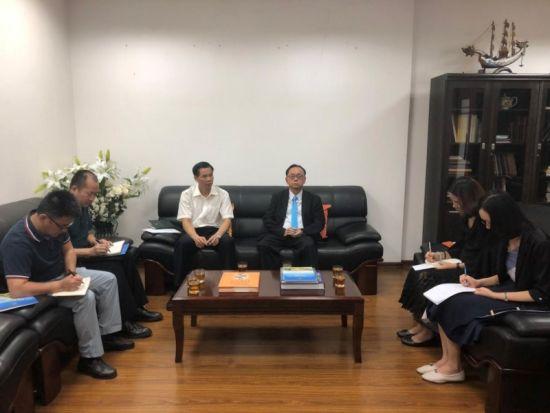 与泰国领事馆总领事蔡乐•蓬蒂窝拉卫会谈