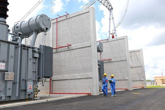 图为北海首座500千伏变电站。