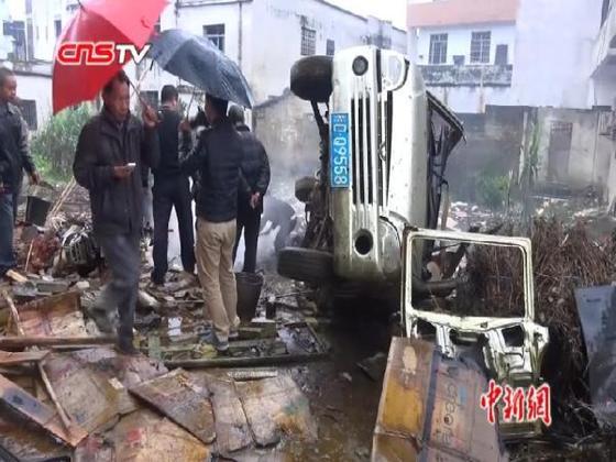 广西岑溪市归义镇发生爆炸事件 致三层楼房倒塌1死2伤