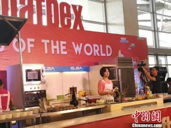 """通讯:""""中华元素""""马尼拉食品与饮料博览会受宠"""