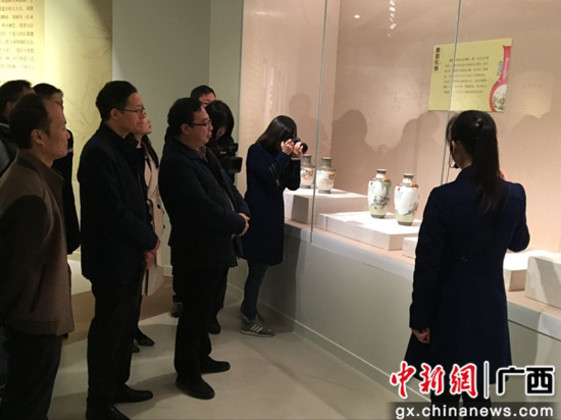 《千年瓷都――江西省博物馆藏景德镇瓷器精品展》在邕开展
