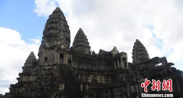 柬埔寨吴哥窟门票去年入账破亿美元