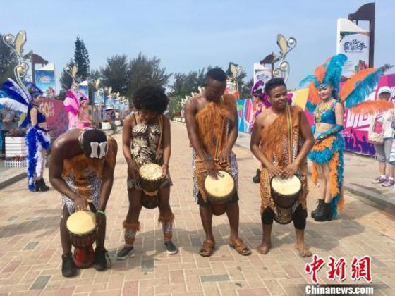 """广西北海银滩启动""""嘉年华欢乐季""""招揽中外游客"""