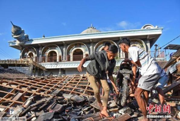 印尼龙目岛7级地震遇难者升至142人 数千房屋被毁