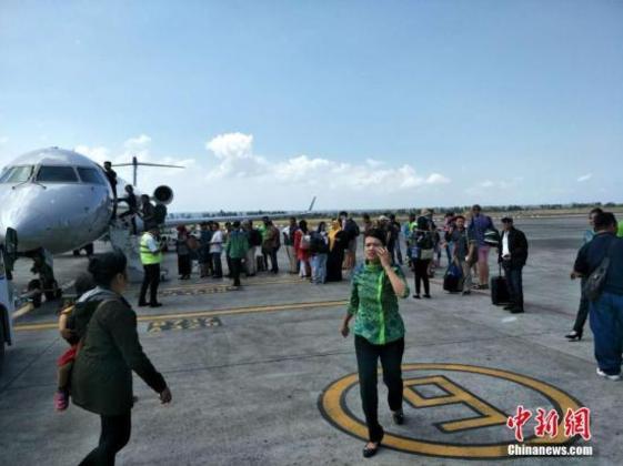 印尼龙目岛再发6级以上地震 机场旅客经历惊魂一刻