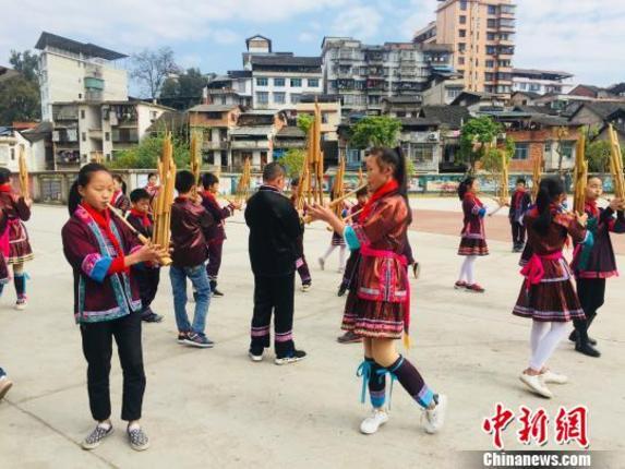 非遗文化浸润广西侗乡校园 感受多元文化交融