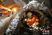 广西河池开展隧道坍塌事故救援演练