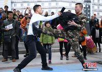 南宁铁路警方开展反恐防暴宣传