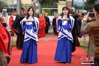 南宁一中学为高三学生举办十八岁成人典礼