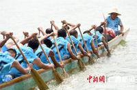 广西三江龙舟劲舞闹端阳
