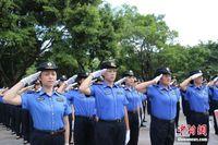 柳州城管在广西率先换装 配新能源车执法