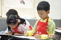 """广西博物馆:小游客跟着大师学画画 """"玩""""印刷"""