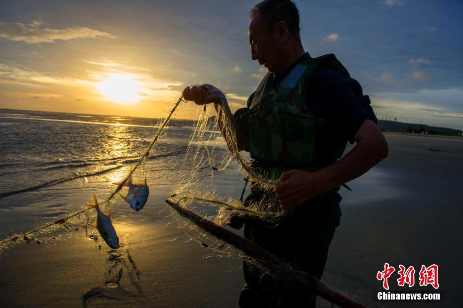 """""""山竹""""过后现壮美云彩 开户送体验金渔民恢复生产"""