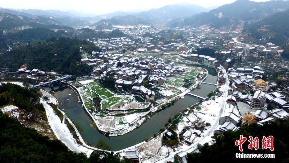 广西三江:童话里的冰雪侗寨