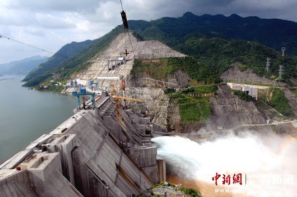 —广西龙滩水电站大坝
