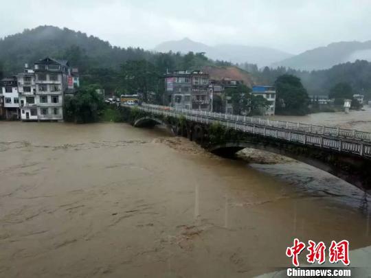 强降水连袭广西柳州部分河段现20年一遇洪水