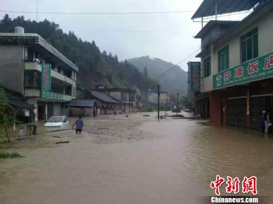 受此次强降雨的影响,融水县境内部分乡镇不同程度受灾。 钟欣 摄